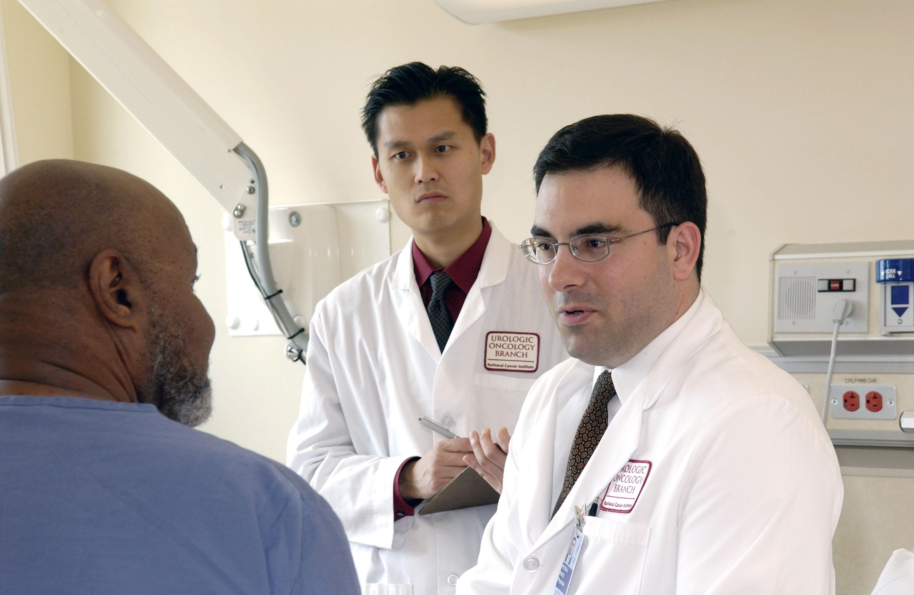 Doctor advises patient